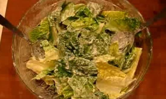 нарвать и заправить лист салата