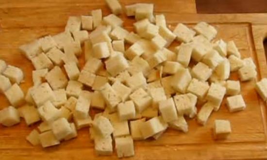нарезать сухари
