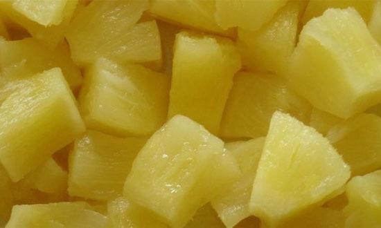 резаные ананасы