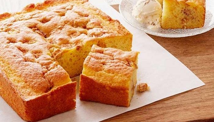 """Пирог """"Шарлотка"""" с яблоками и бананом - простые рецепты вкусного и нежного заливного пирога"""