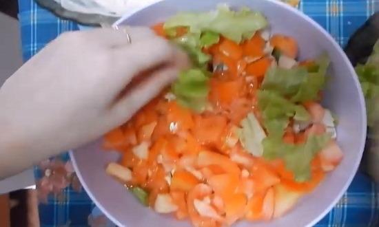 помидоры в салатник