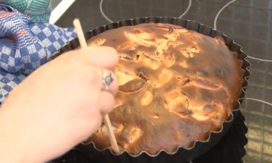 пирог отделить от формы