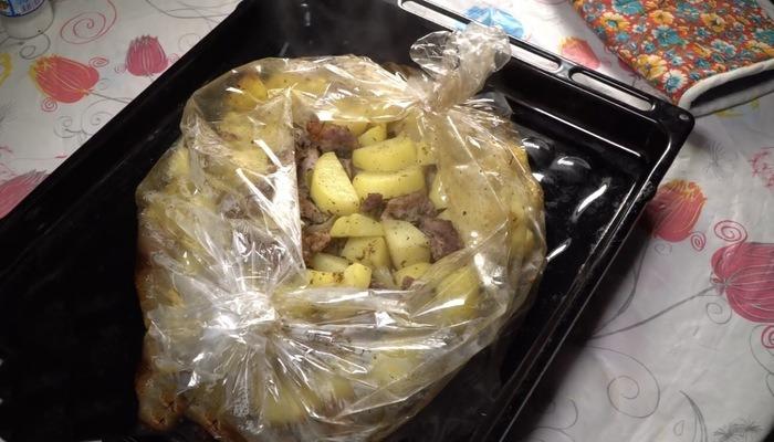 свинина с картофелем с пряными специями