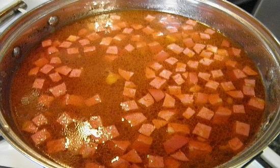 добавить поджарку, колбасу, мясо