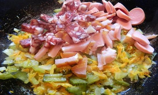 колбаса, сосиски