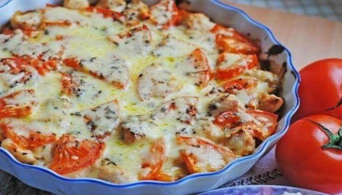 Картофельная запеканка с курицей и томатами