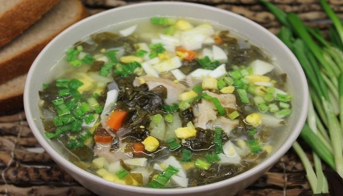 Как приготовить зеленый борщ со щавелем и яйцом - 6 простых рецептов с различными ингредиентами