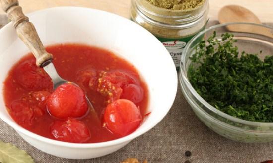 подготовить специи и томаты