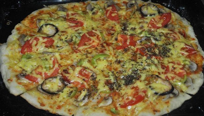 Очень вкусная итальянская пицца с грибами
