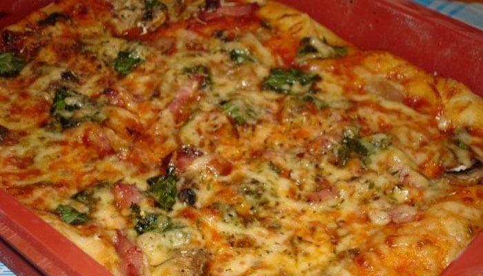 Грибная пицца со шпинатом