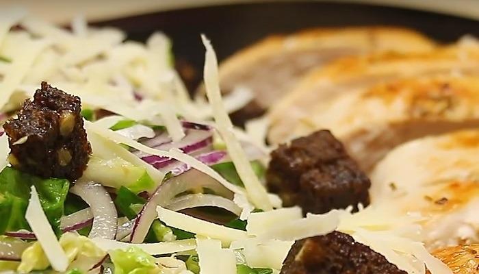 салат с заправкой из анчоусов