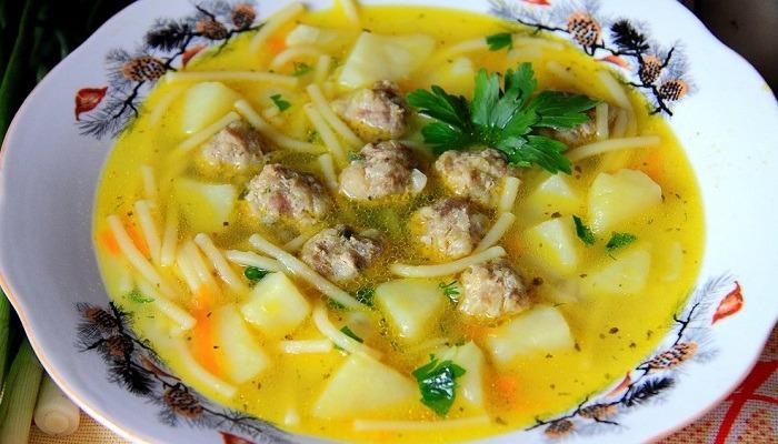 Суп с фрикадельками и вермишелью главное