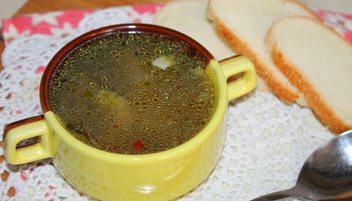 суп с вермишелью, фрикадельками и овощами
