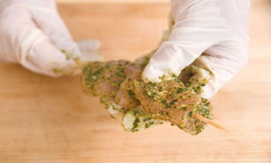 мясо на шпажках
