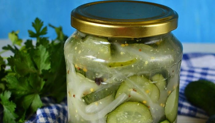 Салат из огурцов с горчицей