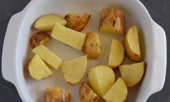 обработать картофель