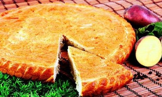пирог с мясом из дрожжевой сдобы