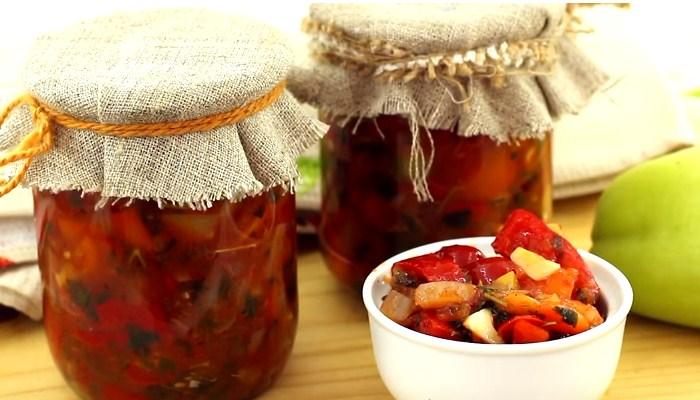 Лечо из болгарского перца с луком и чесноком