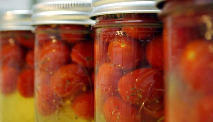 Солёные помидоры с горчицей