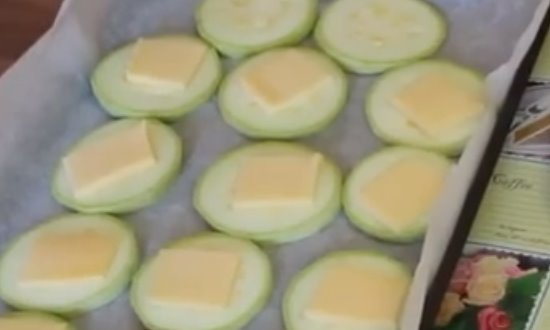 выкладываем сыр