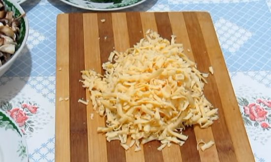 Сыр на крупную тёрку