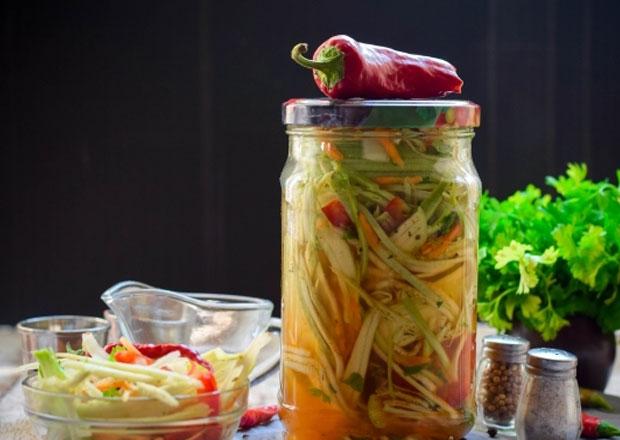 салат из кабачков по-корейски пальчики оближешь