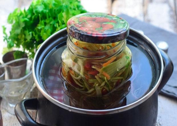 стерилизуем салат