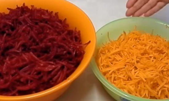 Морковь и свеклу измельчим