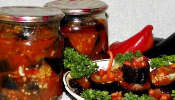 Баклажаны с острым томатным соусом