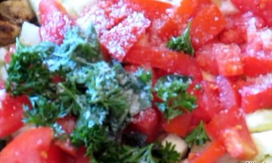 Зелень в сковороду