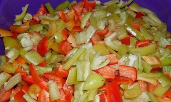 нарезать на куски перец
