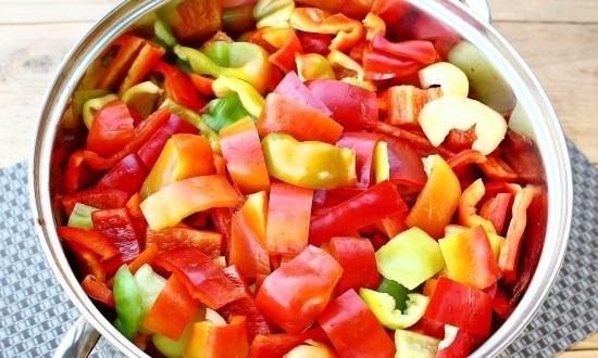 соединить перец и томат