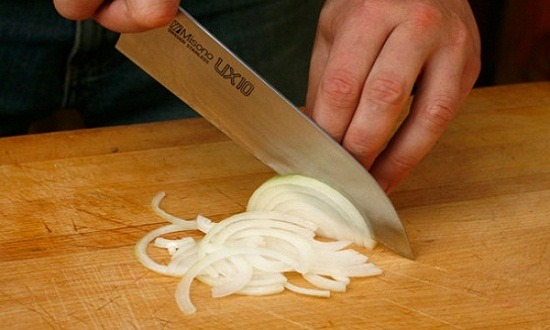 очистить, нарезать лук