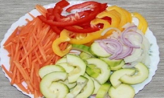 очистить, нарезать овощи