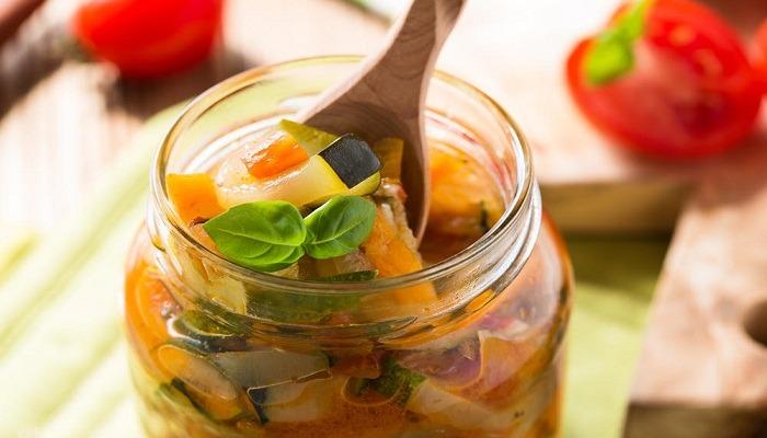 Самые вкусные салаты из кабачков на зиму - 6 рецептов без стерилизации