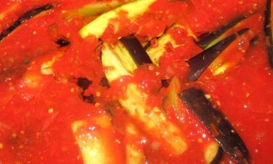Варим баклажаны в соусе