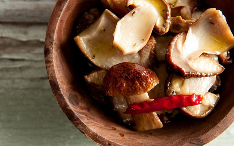 Маринованные белые грибы «По-городскому»