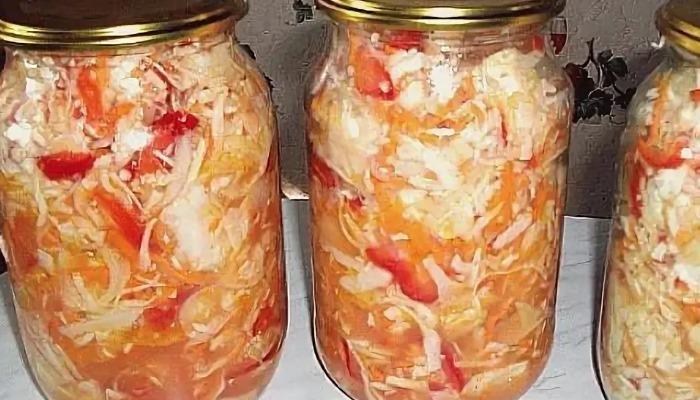 Салат из капусты с помидорами и болгарским перцем на зиму