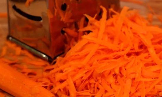 Морковь на крупной тёрке