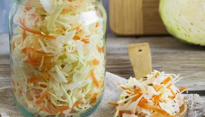 Салат из свежей капусты на зиму – классический рецепт