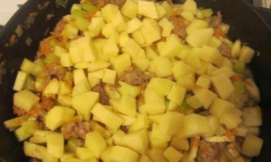 Всыпаем картофель