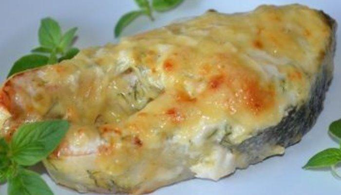 Горбуша с сыром и майонезом