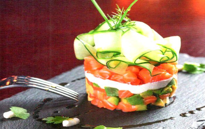 Салат из сёмги с авокадо и сыром