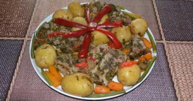 Свиные рёбрышки с картошкой в духовке
