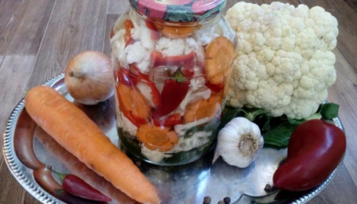 Цветная капуста по-корейски с перцем на зиму без стерилизации
