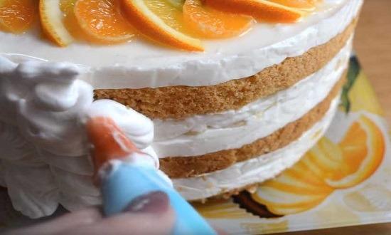 украсить бока торта кремом