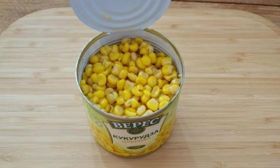 слой кукурузы консервированной