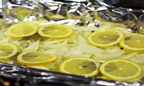 добавить лимон