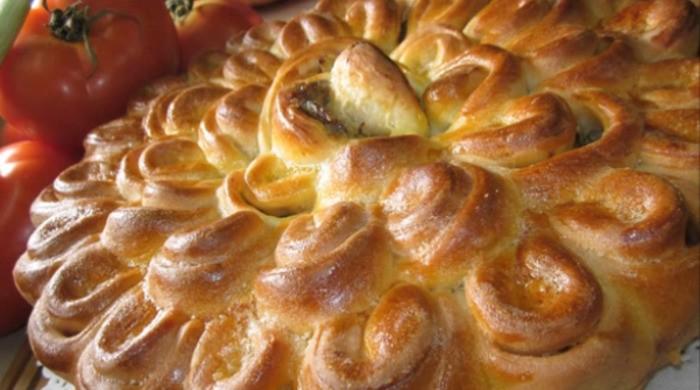 Закусочный пирог «Хризантема»