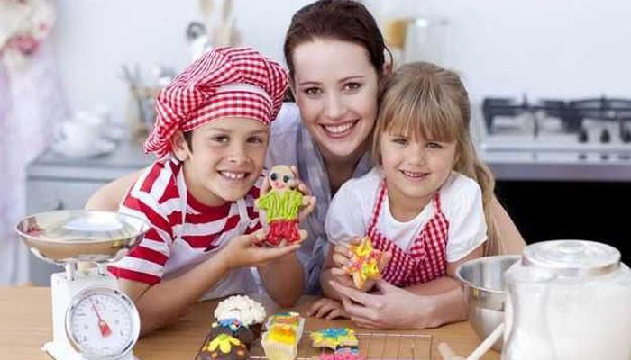 Готовьте десерты с детьми